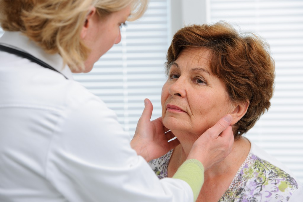 bigstock-Thyroid-Function-Examination-68714794-1024x683