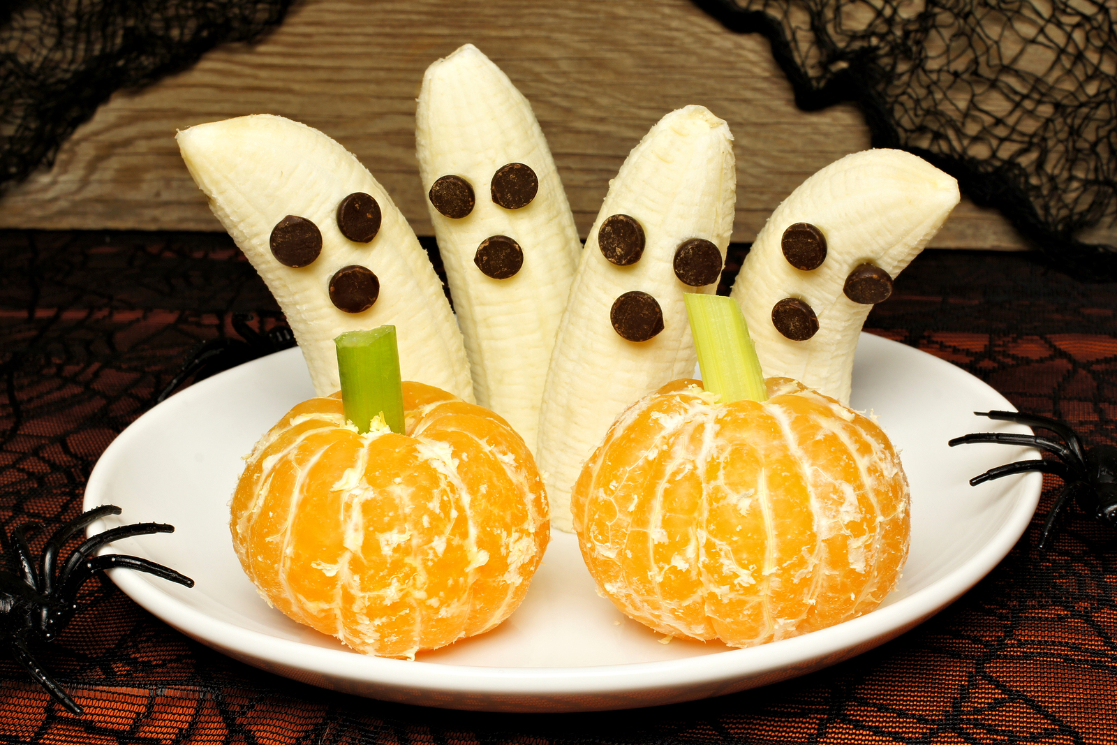bigstock-Healthy-Halloween-banana-ghost-99796100